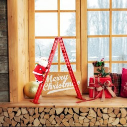 Tabletop Climber – Santa