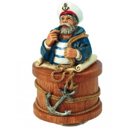 Seemann mit weißem Hut
