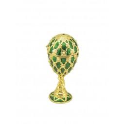 Schmuckei im Stil Fabergés grün
